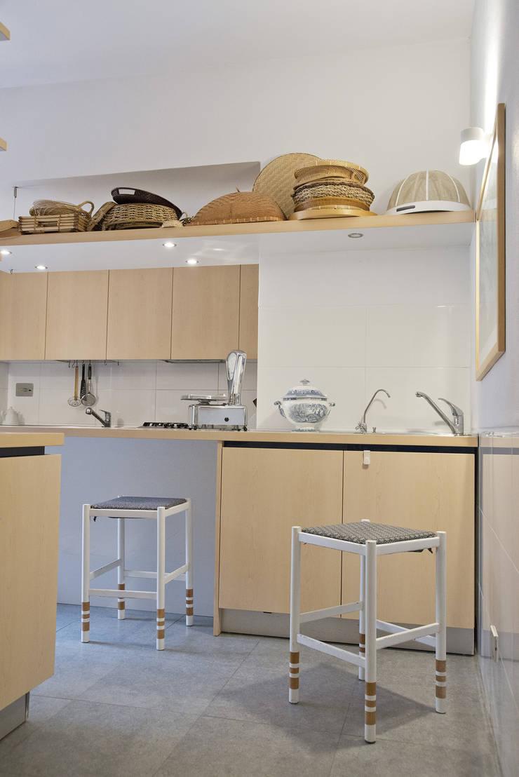 ห้องครัว โดย Caterina Raddi, มินิมัล