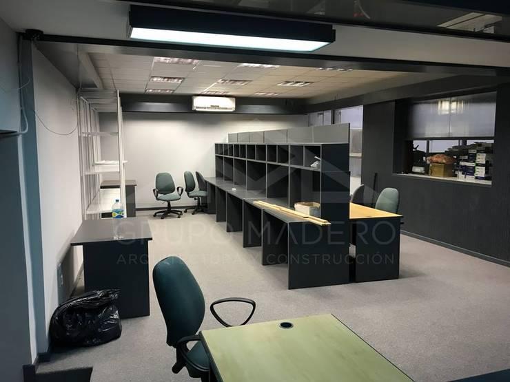 Remodelación de Oficinas:  de estilo  por Grupo Madero,