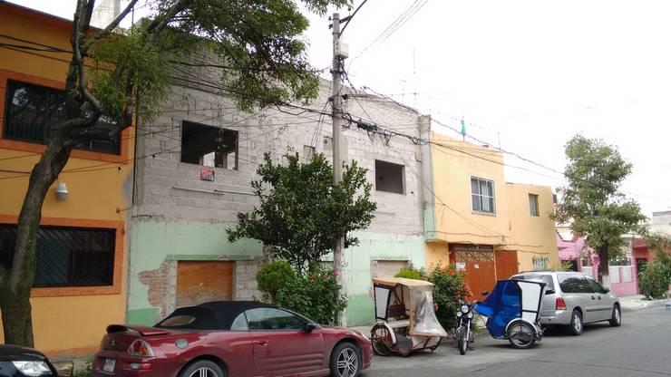 Casas de estilo  por H+R ARQUITECTOS