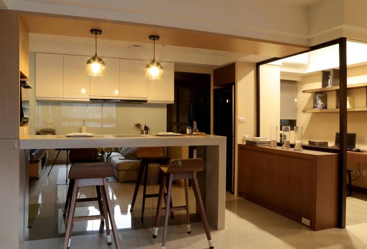 廚房機能:  餐廳 by 漢品室內設計