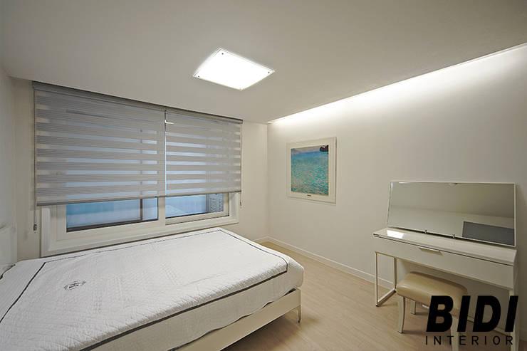 망원동 대림 아파트 : 인테리어비디의  침실