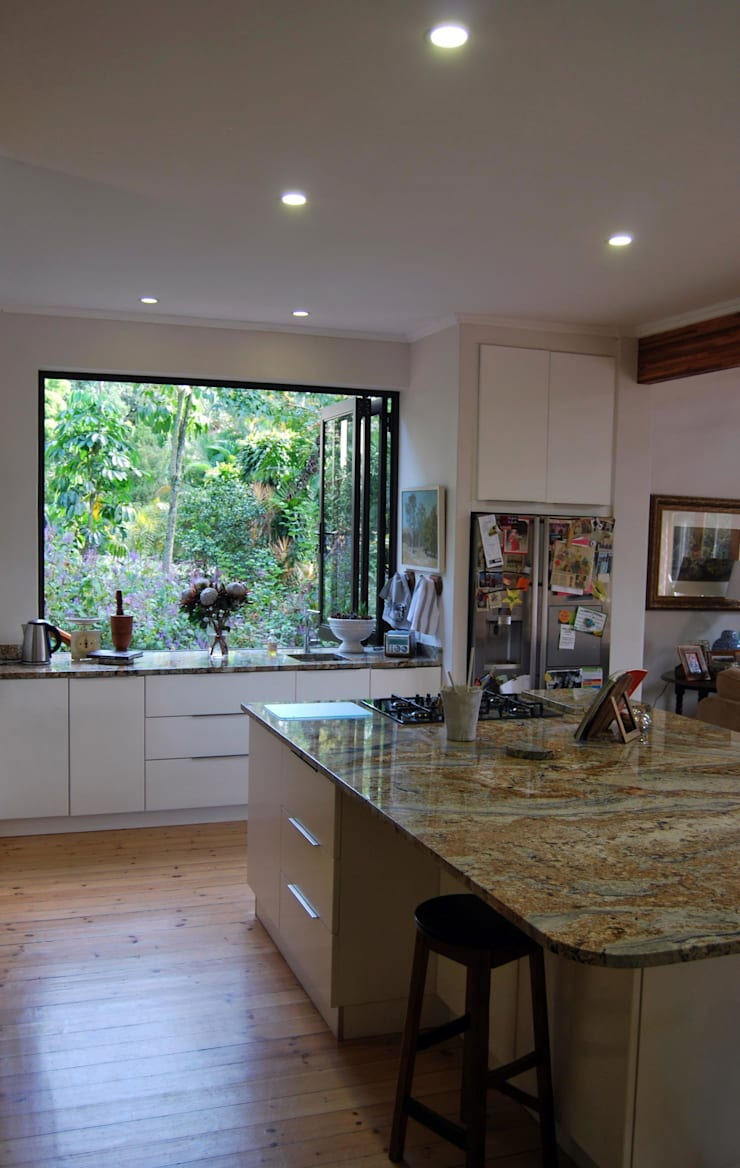 Project : Burchmore:  Kitchen by Capital Kitchens cc