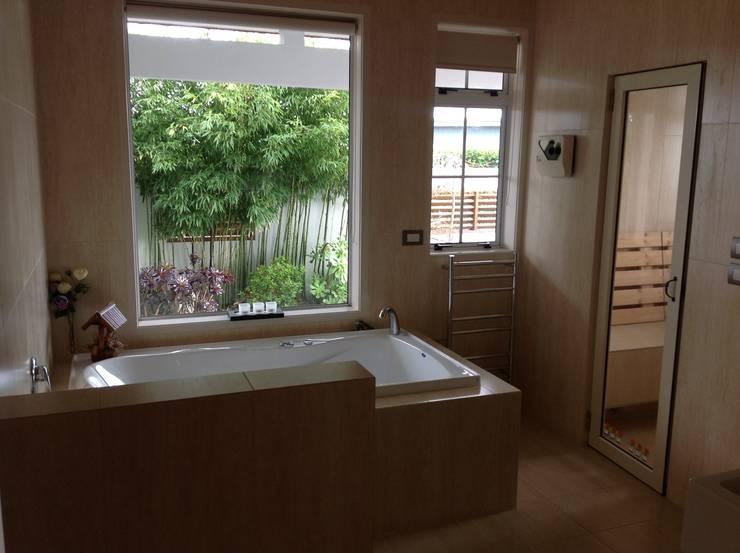 家聚昇溫:  浴室 by 耀昀創意設計有限公司/Alfonso Ideas