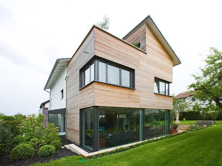 Projekty, nowoczesne Domy zaprojektowane przez Gaus & Knödler Architekten