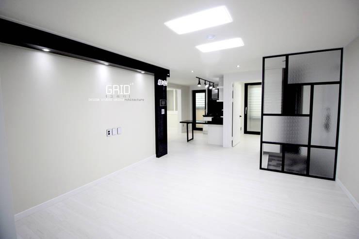 Ruang Keluarga by Design Studio Grid+A