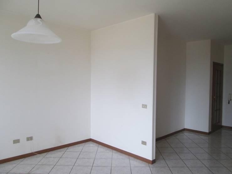 Casa E1 - Manutenzione Straordinaria appartamento:  in stile  di duedì - studio di progettazione