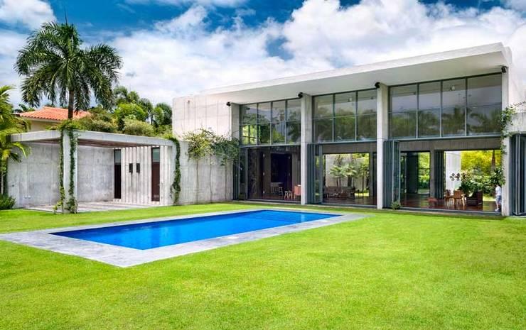 Rumah oleh AIRCLOS, Modern