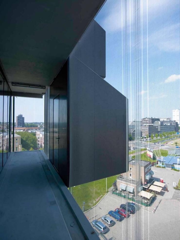 Schiecentrale 4B:  Gang en hal door Mei architects and planners, Industrieel