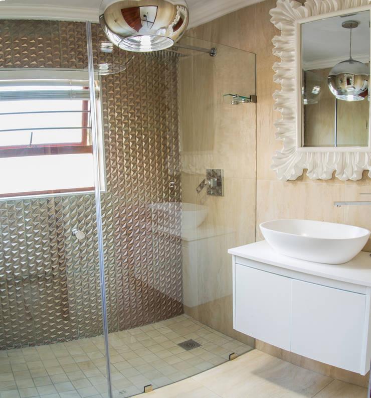 Bathroom. :  Bathroom by Carne Interiors