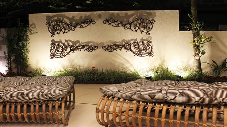 Jardines de estilo  por Luiz Coelho Arquitetura