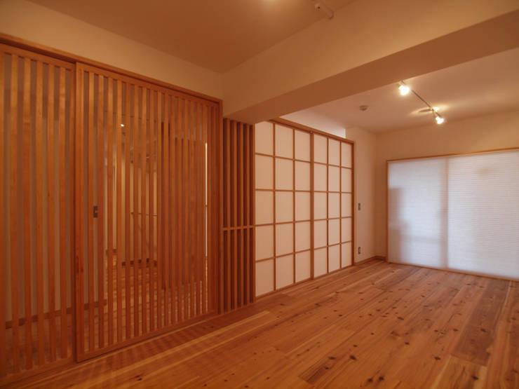 """""""視線を遮る障子""""と""""空間を繋げる格子戸"""": i think一級建築設計事務所が手掛けた多目的室です。"""