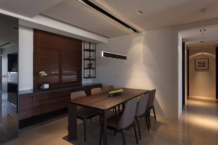 永和徐宅:  餐廳 by 大觀室內設計工程有限公司