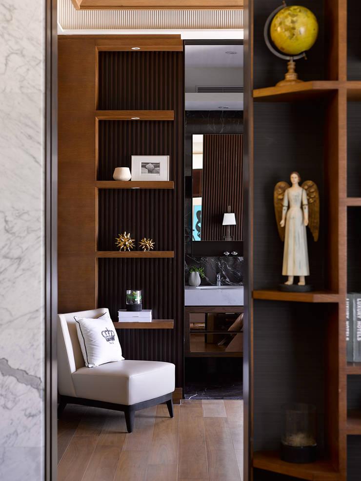 上河園:  臥室 by 大觀室內設計工程有限公司