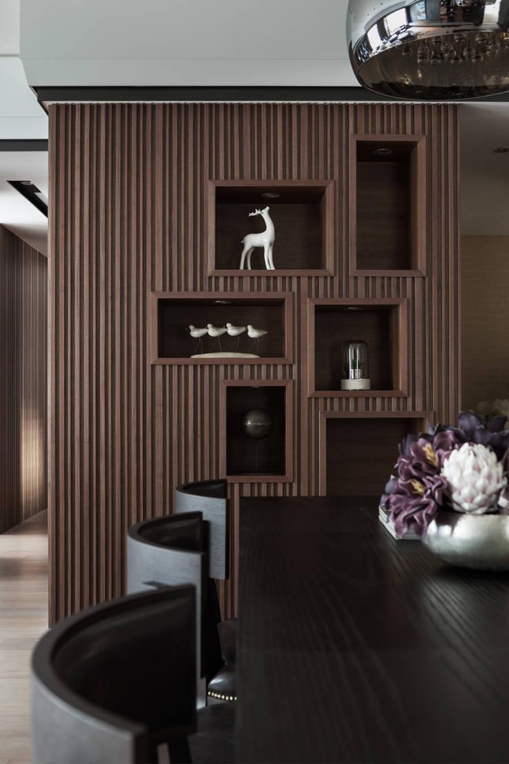 長耀挹品:  餐廳 by 大觀室內設計工程有限公司