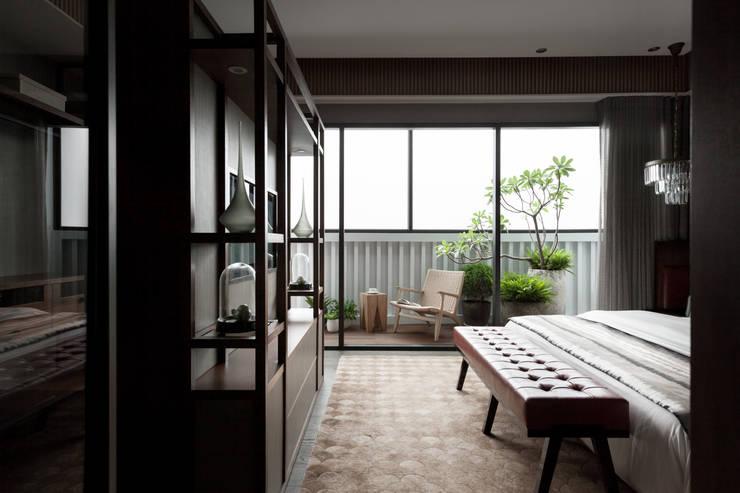 雙水灣:  臥室 by 大觀室內設計工程有限公司