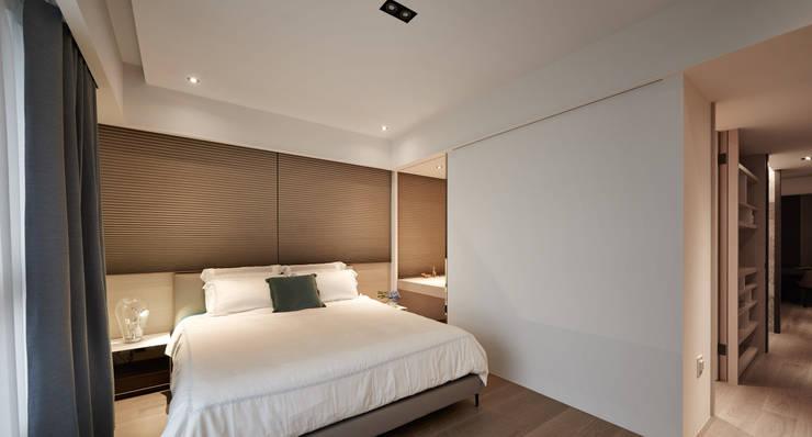 林口楊宅:  臥室 by 大觀室內設計工程有限公司