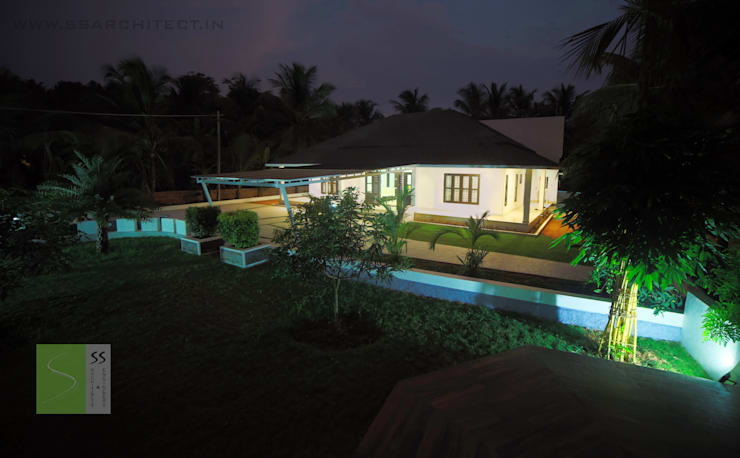 SINGLE STORY HOME:  Houses by SS ARCHITECTS & ENGINEERS