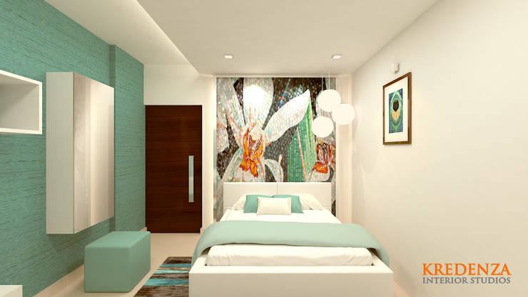 Daughter's Bedroom:  Bedroom by Kredenza Interior Studios,Modern