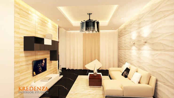Living Area:  Living room by Kredenza Interior Studios,Modern