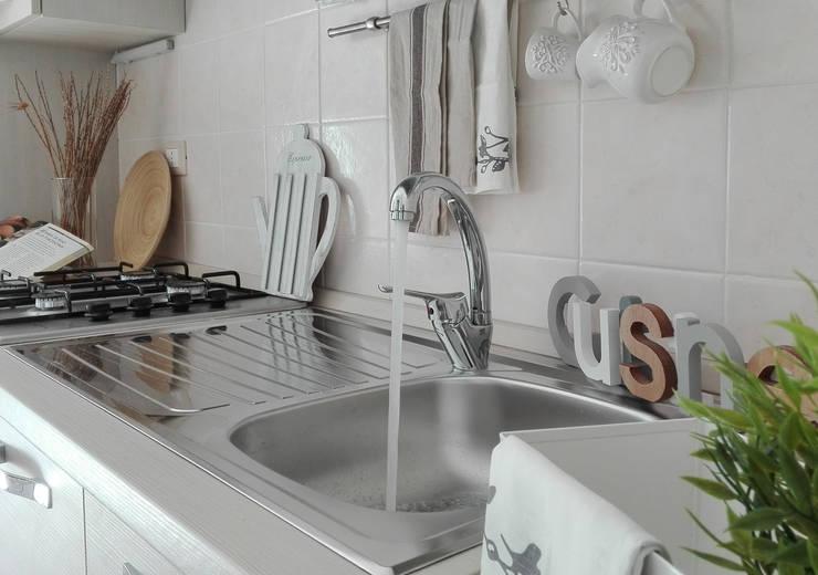Projekty,  Kuchnia zaprojektowane przez Sonia Santirocco architetto e home stager