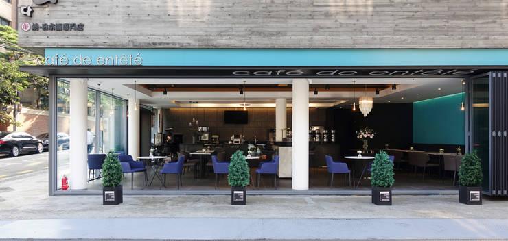 서래마을 카페드앙떼띠 인테리어 / BLANK Architects: 블랭크건축사사무소의  주택