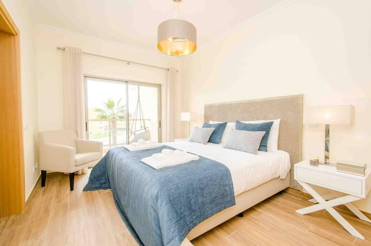 Bedroom by Simple Taste Interiors