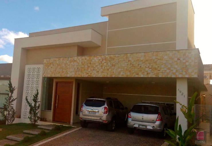 Casas de estilo moderno por Fávero Arquitetura + Interiores