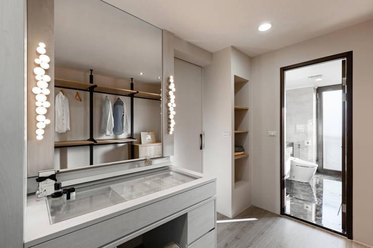 غرفة الملابس تنفيذ 賀澤室內設計 HOZO_interior_design