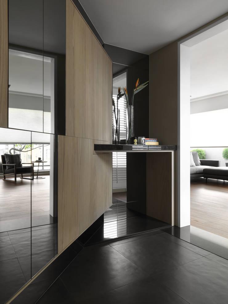 賀澤室內設計 HOZO_interior_design:  走廊 & 玄關 by 賀澤室內設計 HOZO_interior_design