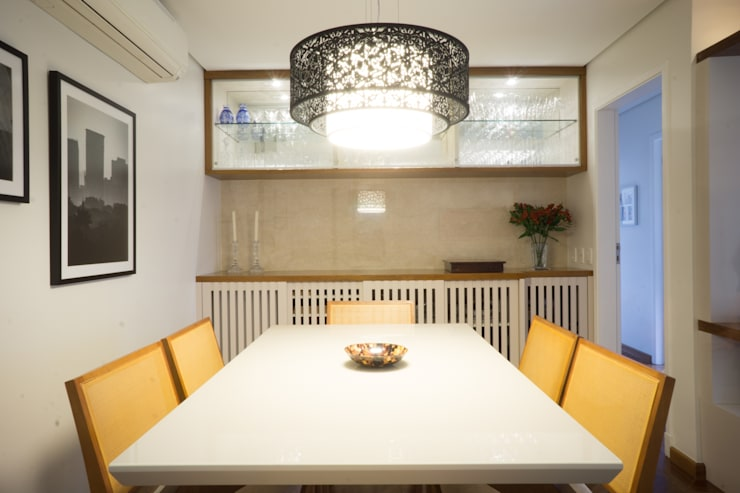Dining room by Lorenza Franceschi Arquitetura e Design de Interiores, Modern Wood Wood effect