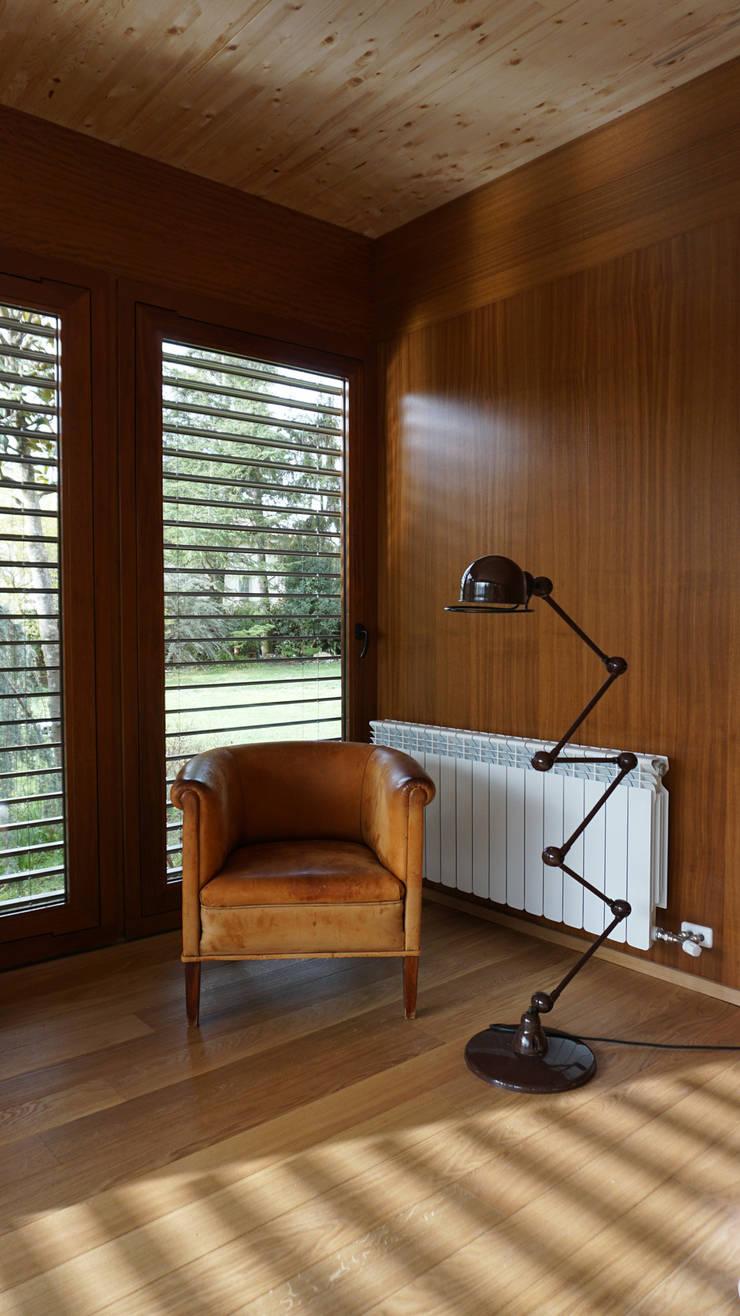 by RIBA MASSANELL S.L. Modern Wood Wood effect