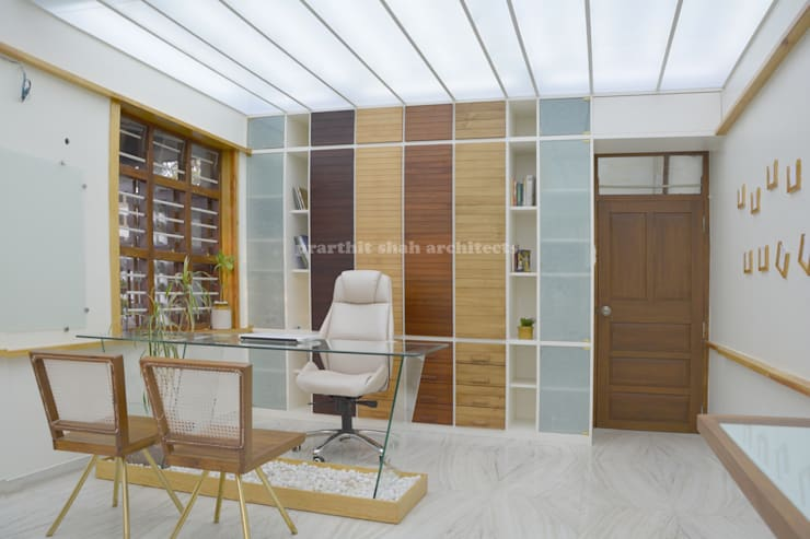 Architect's Office and Home @ Sarvodaya First Floor:  Study/office by prarthit shah architects
