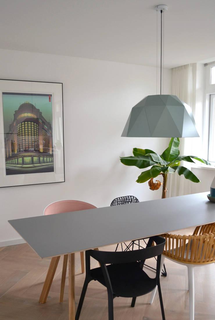 Carat jade: modern  door Studio Sander Mulder, Modern Aluminium / Zink