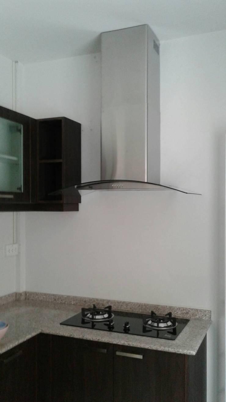 ชุดครัวโมดิชลายไม้:   by บริษัท โมดิช เดคคอ จำกัด