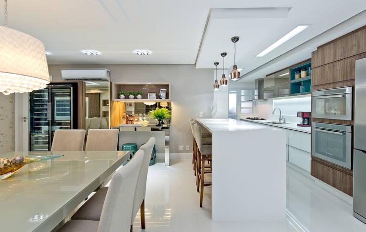 Кухни в . Автор – Kris Bristot Arquitetura