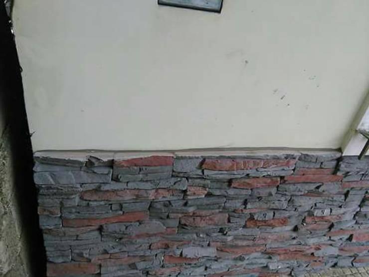 REVESTIMIENTO SIMIL PIEDRA :  de estilo  por Seccoplac