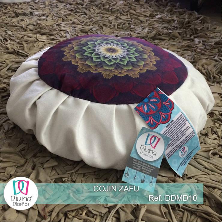 Cojín Zafu Mandala Aprendizaje :  de estilo  por Divina Diseños Decoración, Clásico Fibra natural Beige