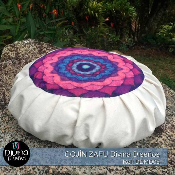 Cojín Zafu Mandala Concentración:  de estilo  por Divina Diseños Decoración, Clásico Fibra natural Beige