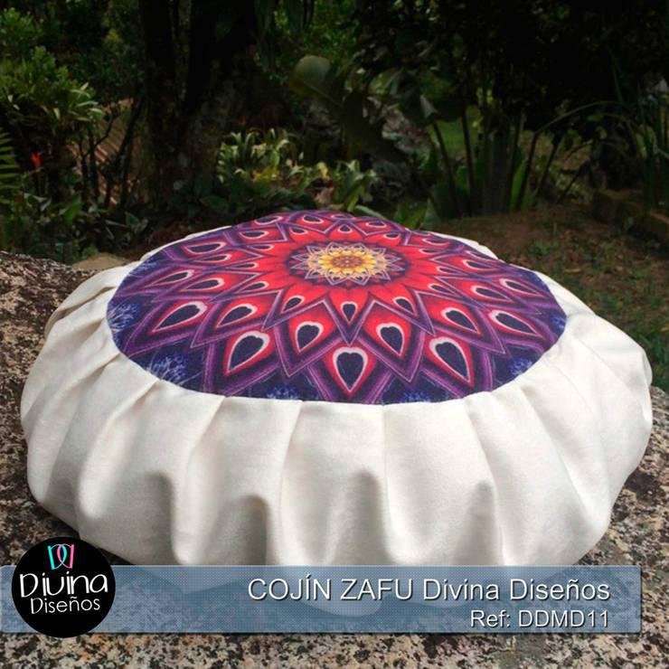 Cojín Zafu Mandala Fuerza:  de estilo  por Divina Diseños Decoración, Clásico Fibra natural Beige