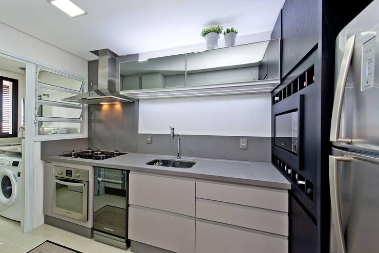 Projekty,  Kuchnia zaprojektowane przez Kris Bristot Arquitetura
