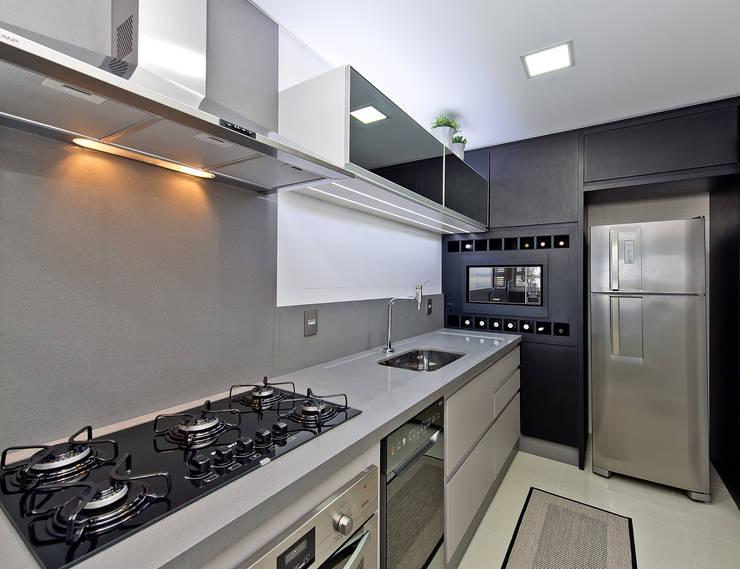 مطبخ تنفيذ Kris Bristot Arquitetura