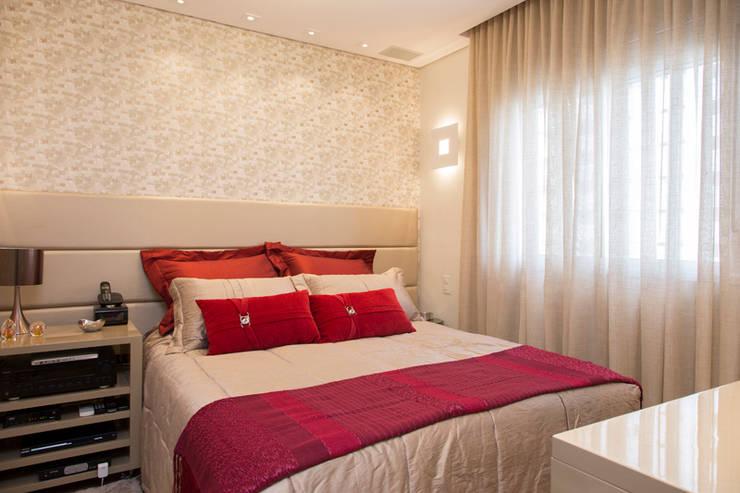 Dormitorios de estilo  por Espaço Alessandra Luz Casa & Jardim