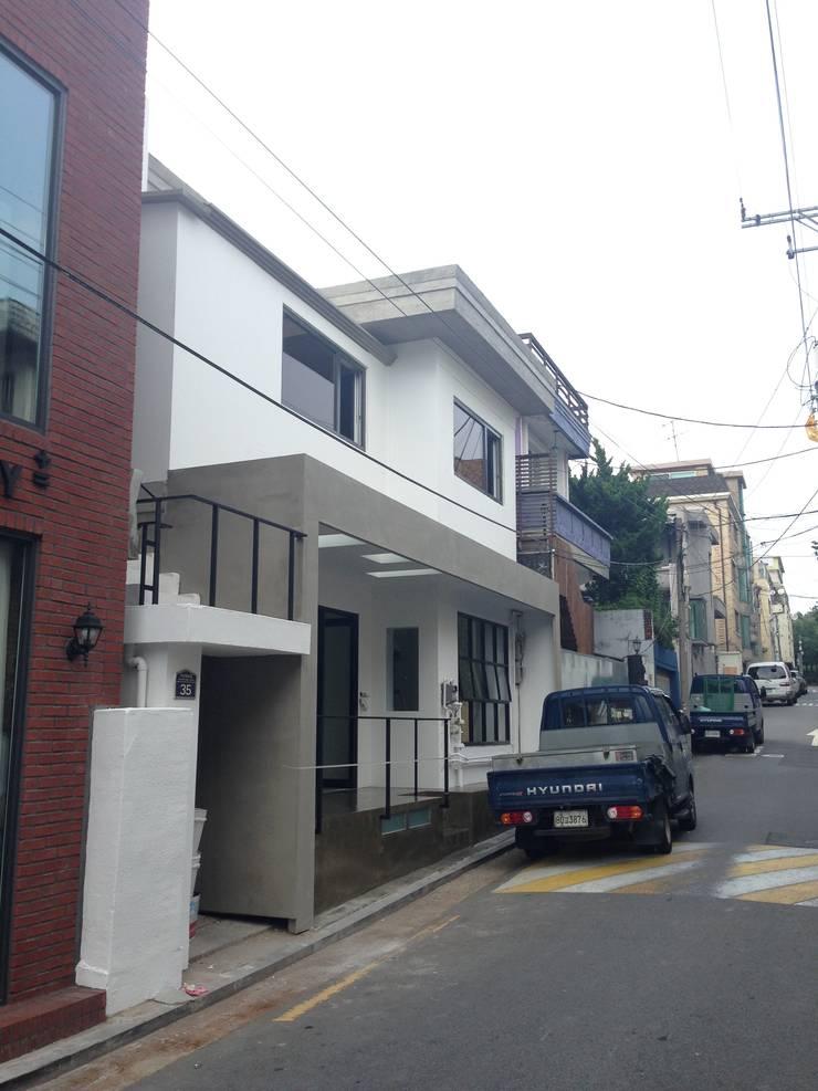 한남동 주택 리모델링: Design Guild의  주택