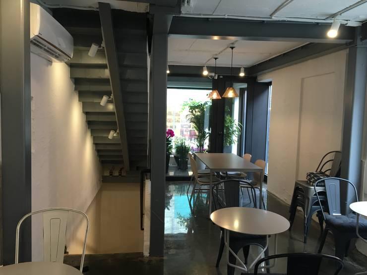 이태원 주택 증축: Design Guild의  사무실 공간 & 가게