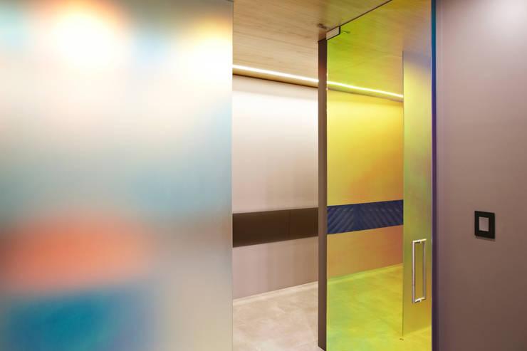 포스트스크립 스튜디오인 CIC(creative image company) 사무실: 바나나피쉬의  창문,
