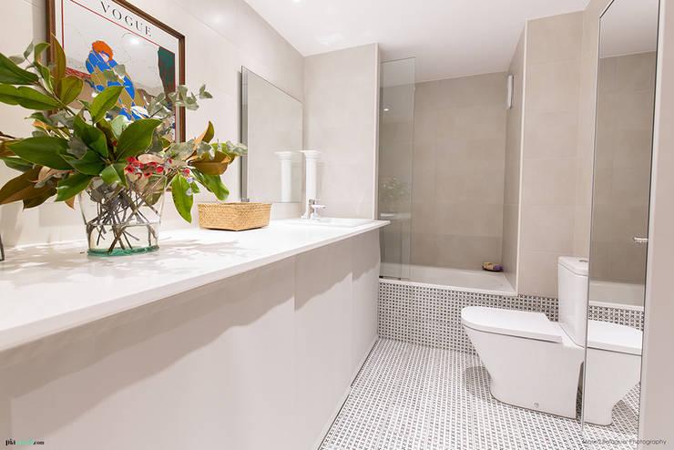 浴室 by Pia Estudi