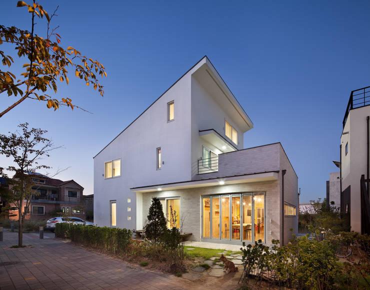 Houses by 남기봉건축사사무소