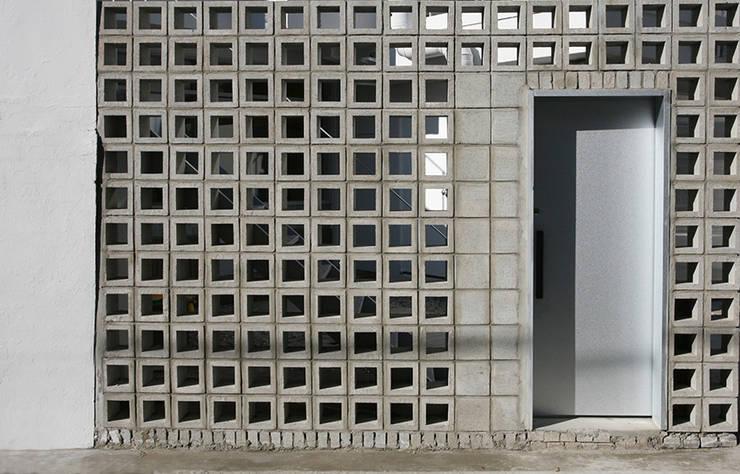 <신수동 주택리모델링>: marcil studio의  주택,모던