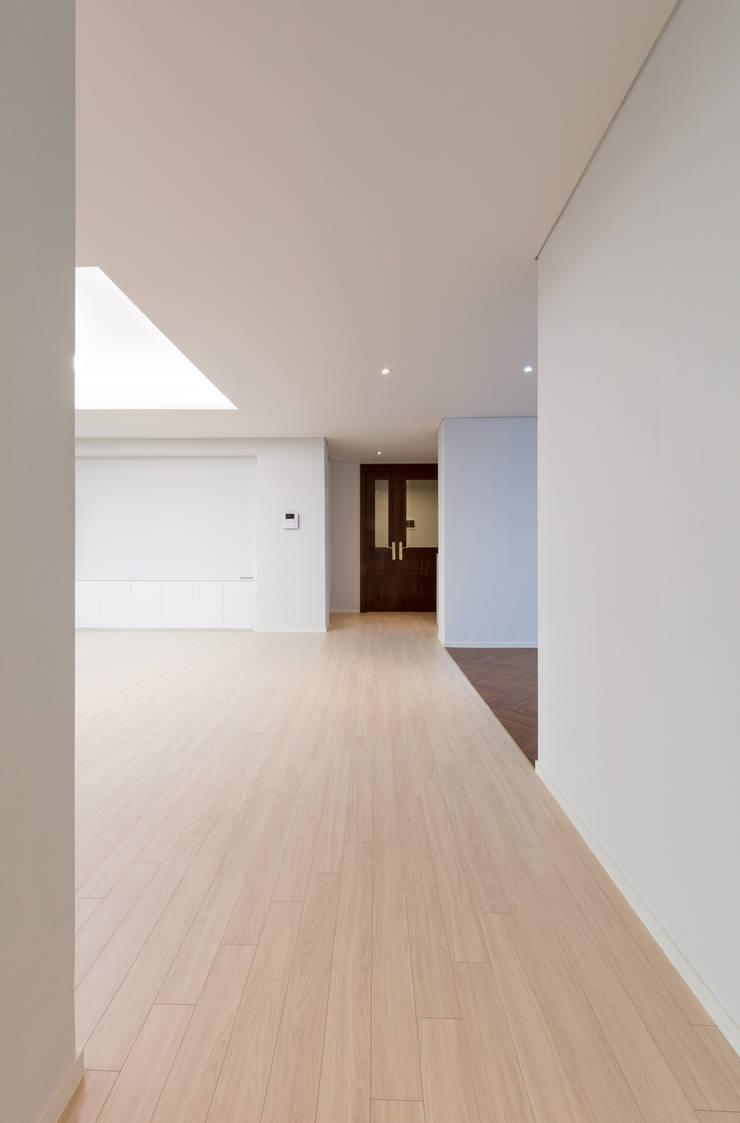 여의도 광장아파트 : 한디자인 / HAN DESIGN의  거실