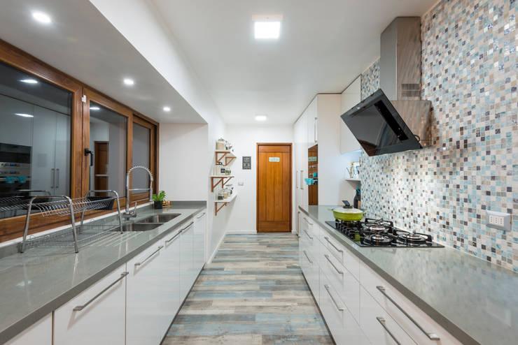廚房 by Grupo E Arquitectura y construcción